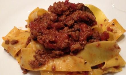Slim Man Cooks Bolognese Sauce