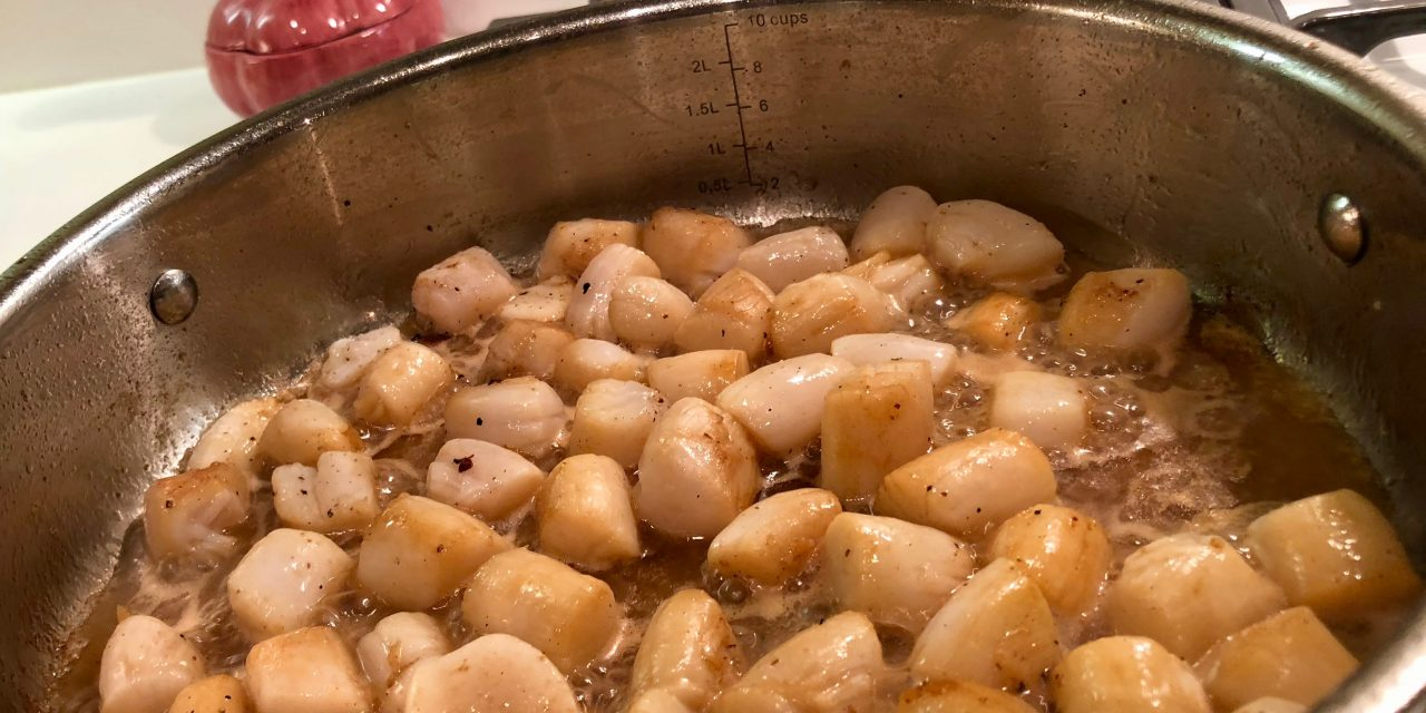 Slim Man Cooks Risotto with Bay Scallops